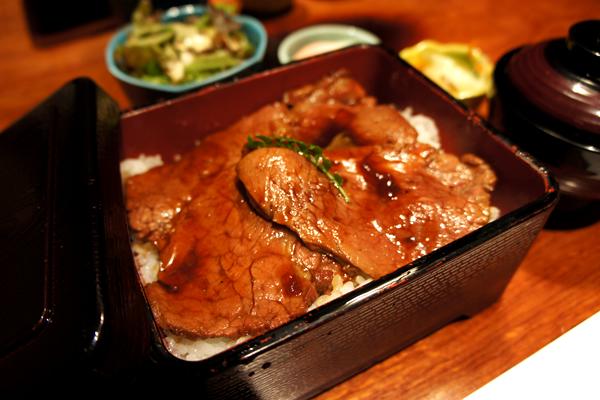 平日ランチでお安く!上質なお肉を堪能できる高級感漂うお店 翔山亭 茶寮