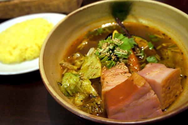 銀座のおいしいスープカレー!黄黒赤白濃黄の5色の選べるスープが楽しい Yellow Spice(イエロースパイス)