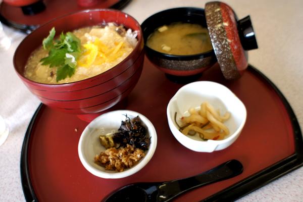 芦ノ湖のほとりでおいしい湯葉丼や蕎麦を堪能できる!箱根 小田急あしのこ茶屋