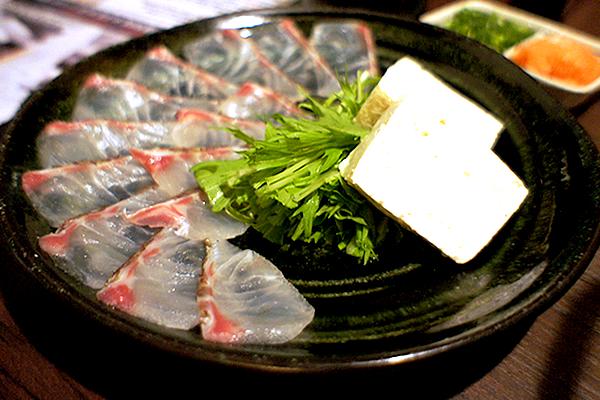 【グルメ対決】ゴージャスな鯛のしゃぶしゃぶを居酒屋価格で楽しめる!新宿の個室居酒屋 花ぜん 本店