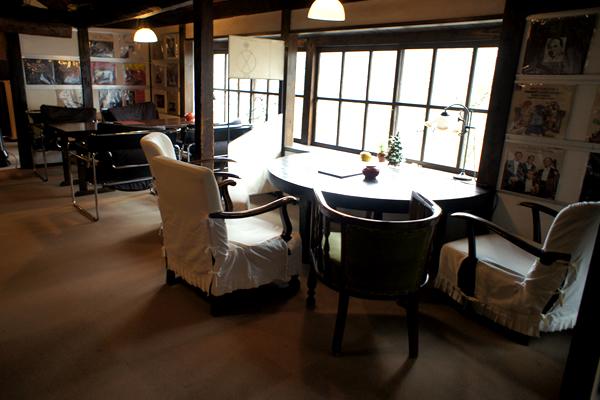 由布院の御三家お宿内の喫茶店!屋根裏を改造したレトロなお店 茶房 天井棧敷