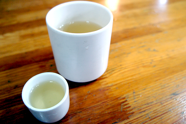 お茶と高麗人参酒