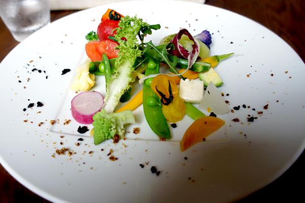 色とりどりの採れたて野菜がおいしい!美瑛の自然に囲まれたイタリアンレストラン valore(バローレ)