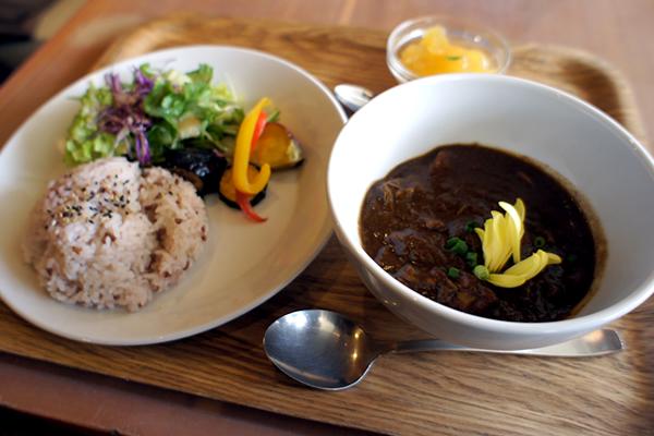 体に良い生薬&スパイスを使ったカレーが楽しめる!薬膳レストラン 10ZEN 品川店