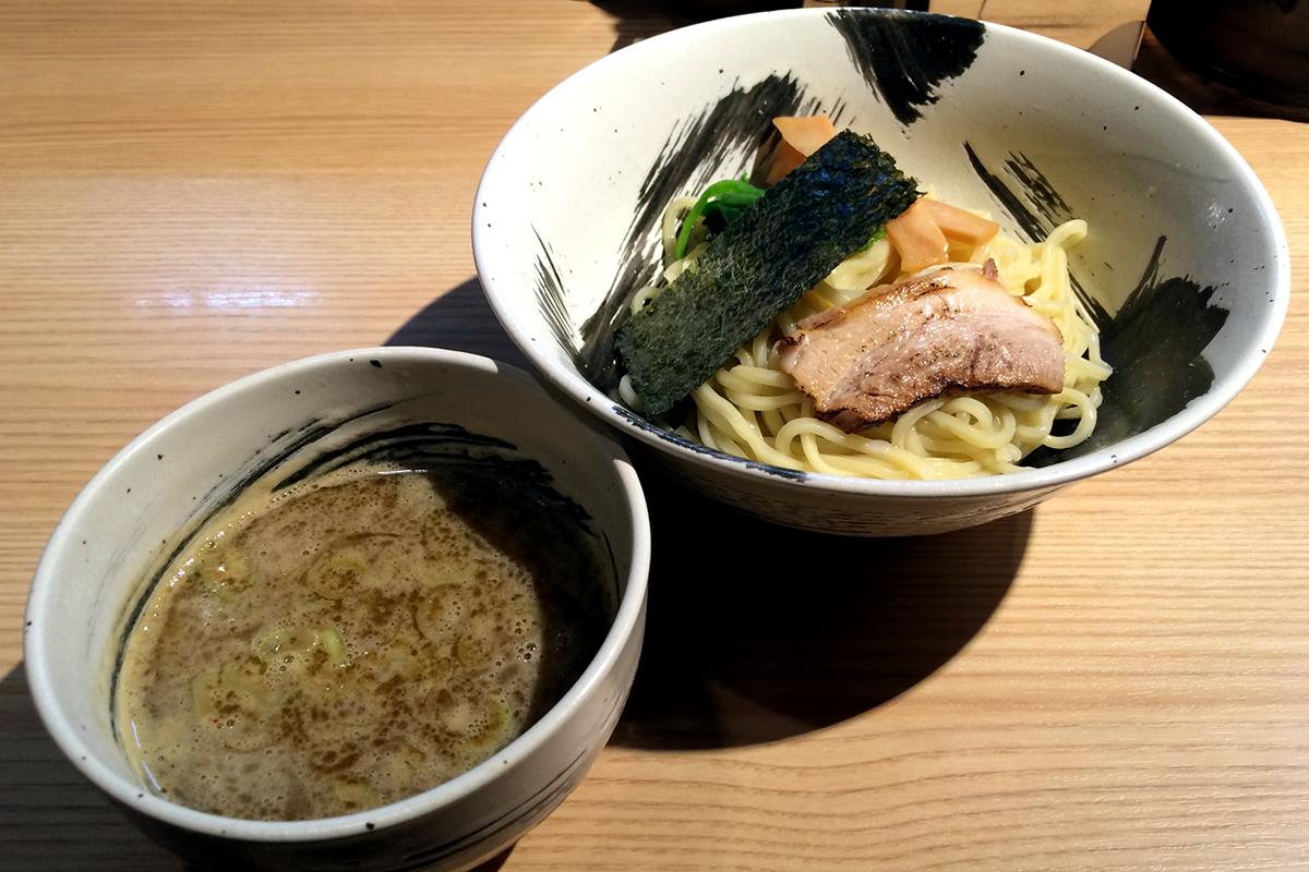 二子玉川で魚介豚骨系のラーメン・つけ麺といったらココ! 麺屋みちしるべ