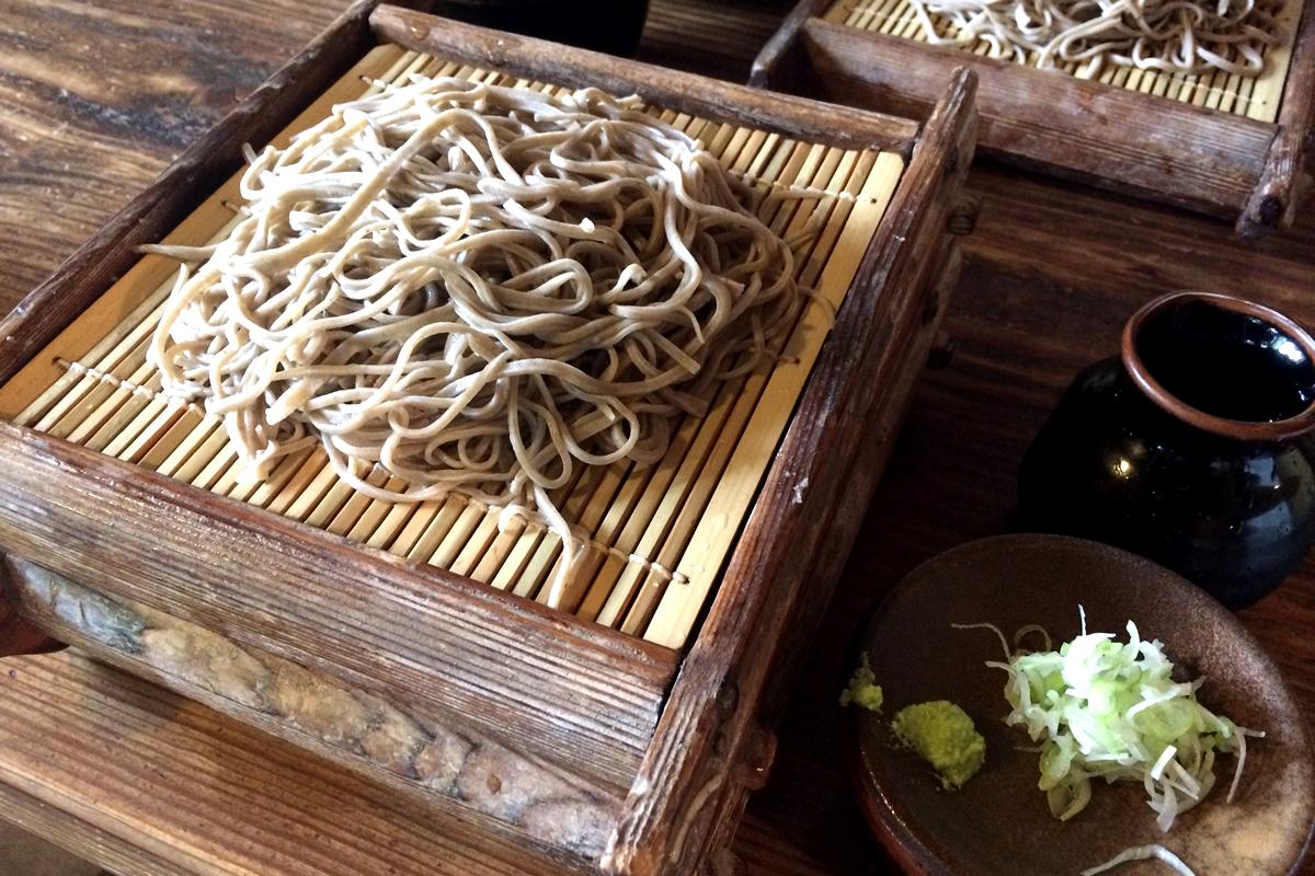 赤城山のふもとで趣ある本格石臼挽き蕎麦を堪能! 群馬 古代乃茶屋
