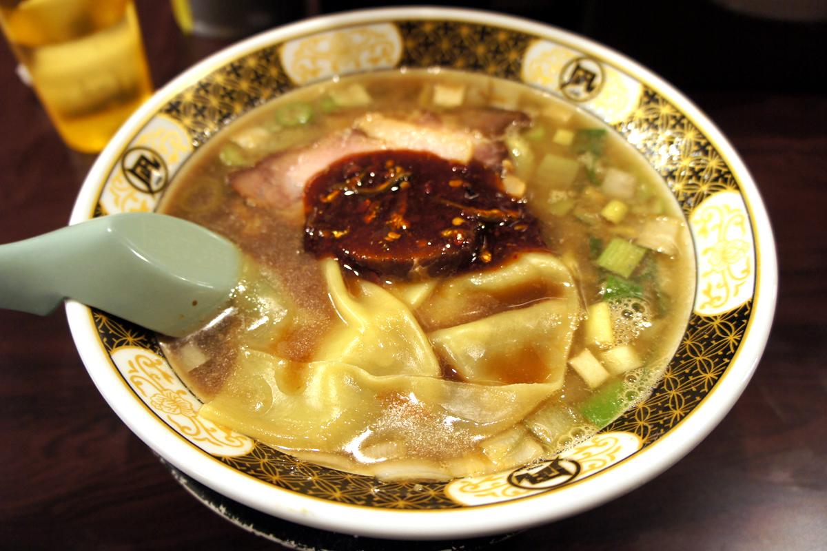 煮干の味と香りがぎっしり! すごい煮干ラーメン凪 西新宿7丁目店
