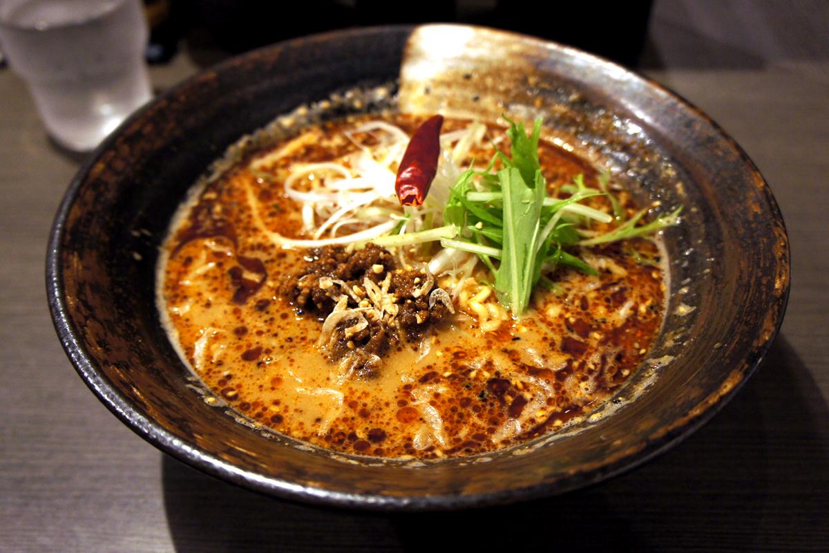 山椒の効いたピリピリ担々麺で代謝アップ! 担々麺香氣 四川麺条 経堂店