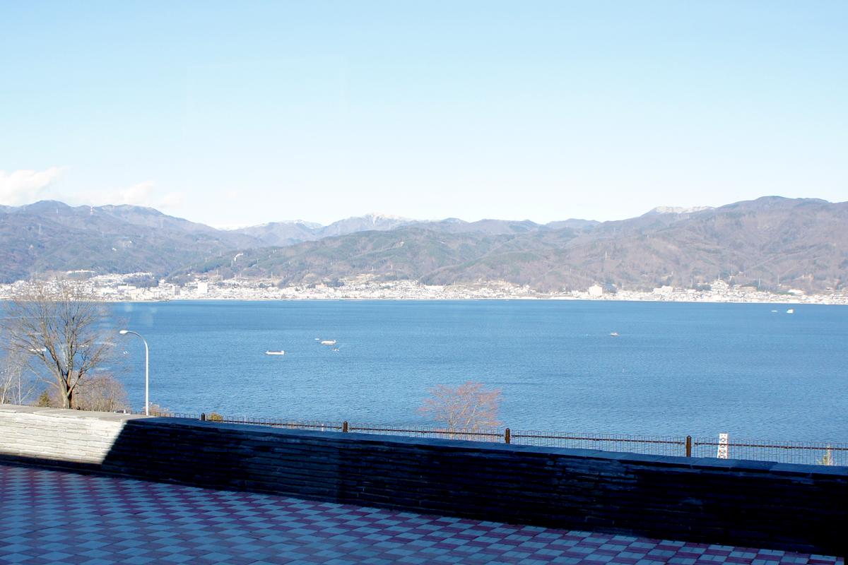 諏訪湖サービスエリア下り線レストラン紅や 窓からの景色
